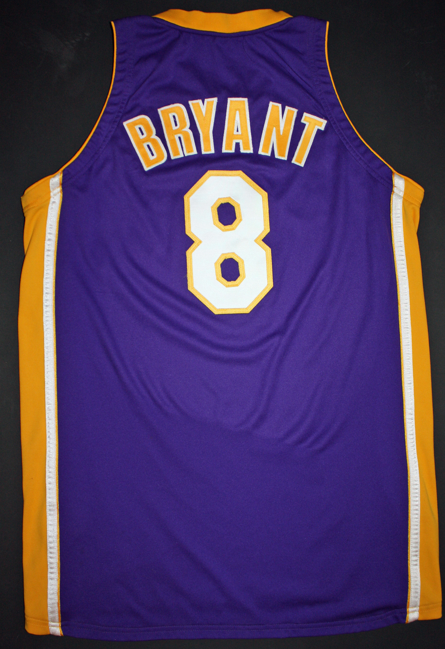 competitive price 3466c 9b962 Lot Detail - 1999-2000 Kobe Bryant Game Worn & Signed NBA ...