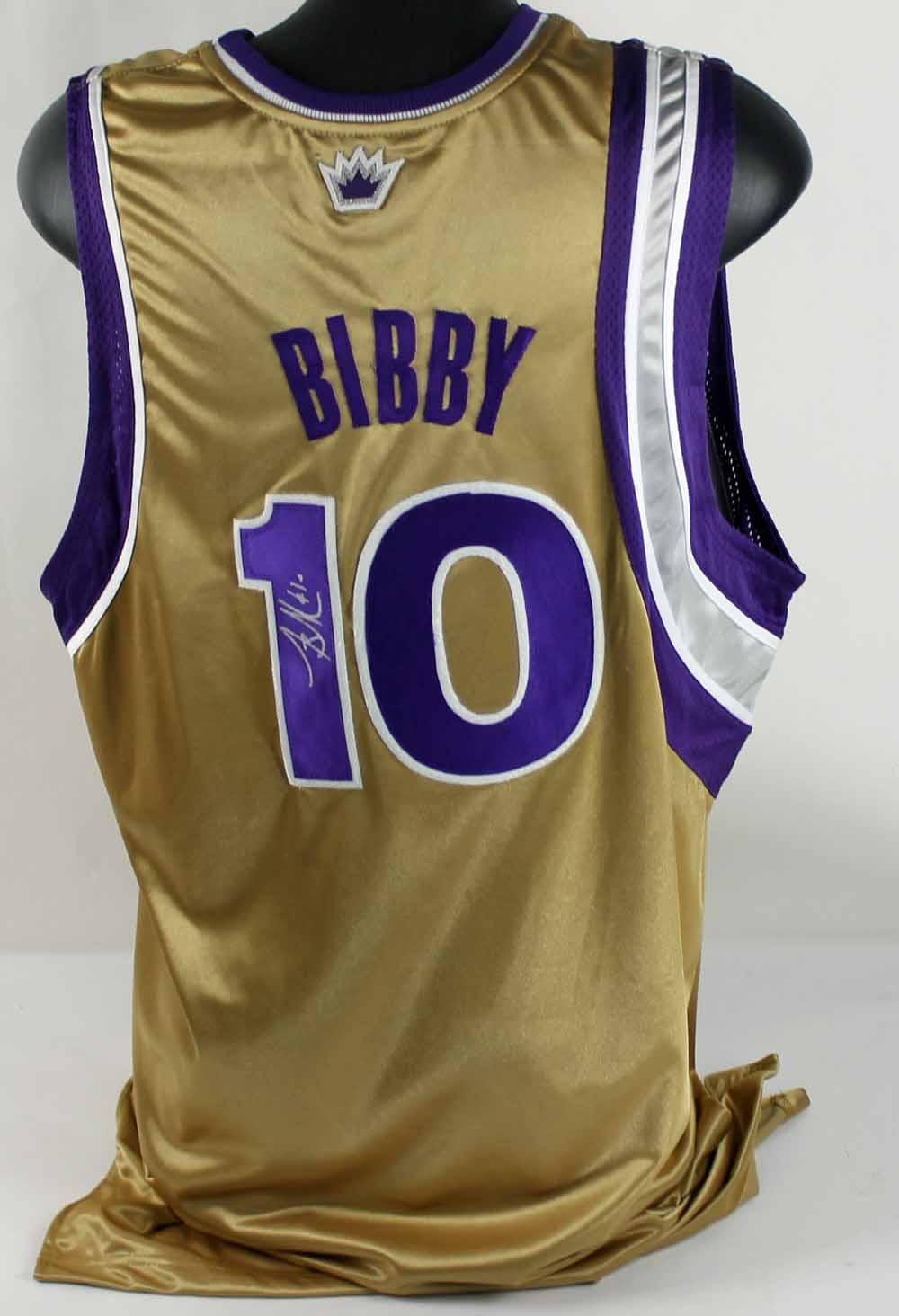 175a8fea3 Lot of 2 Mike Bibby Game-Used   Signed Sacramento Kings Jerseys (PSA  ...