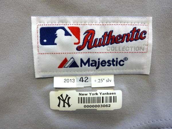 8f41f6a19 ... Ichiro Suzuki 2013 Game-Used Worn   Signed New York Yankees Jersey (MLB