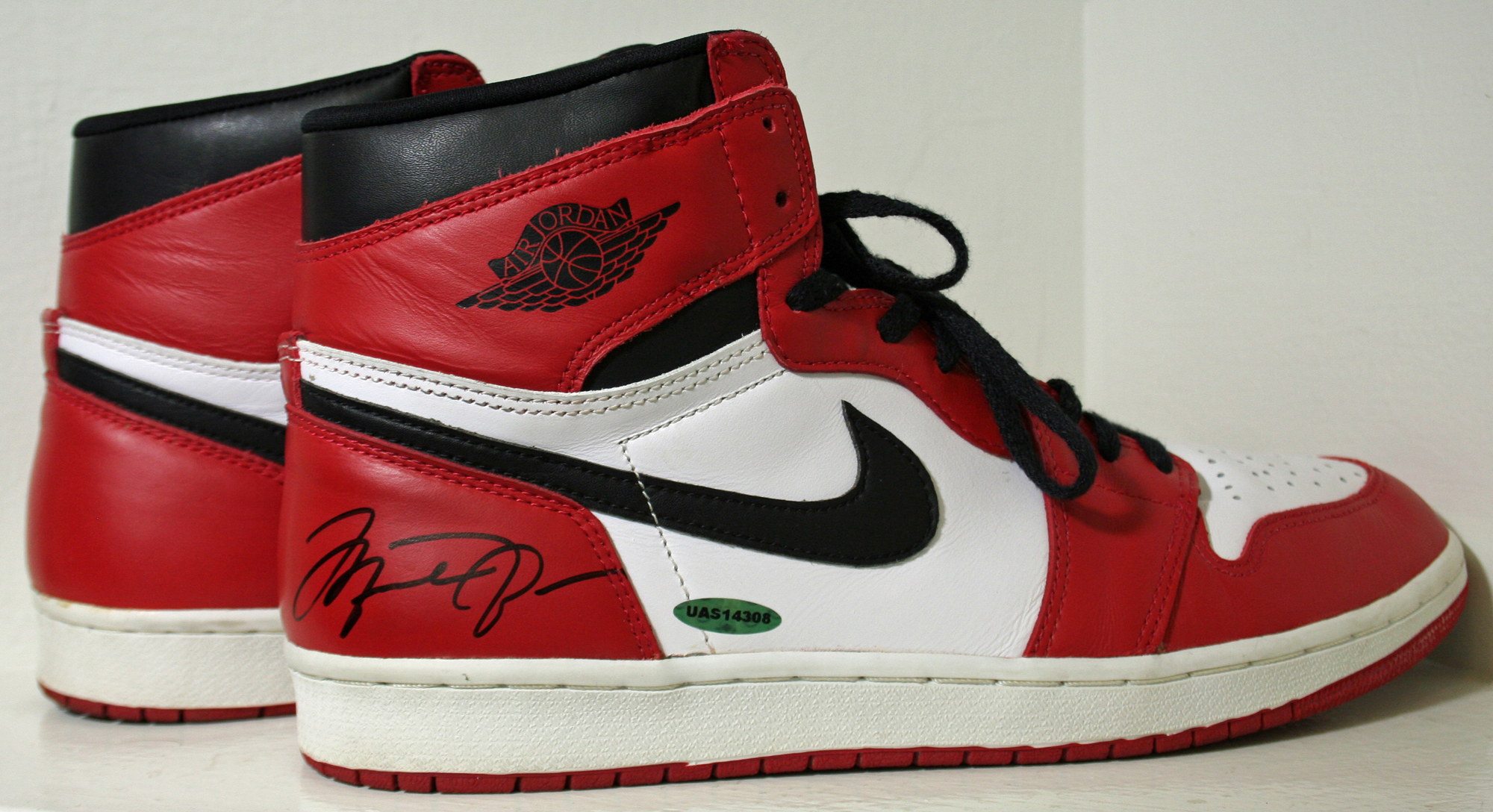 michael jordan signed shoes