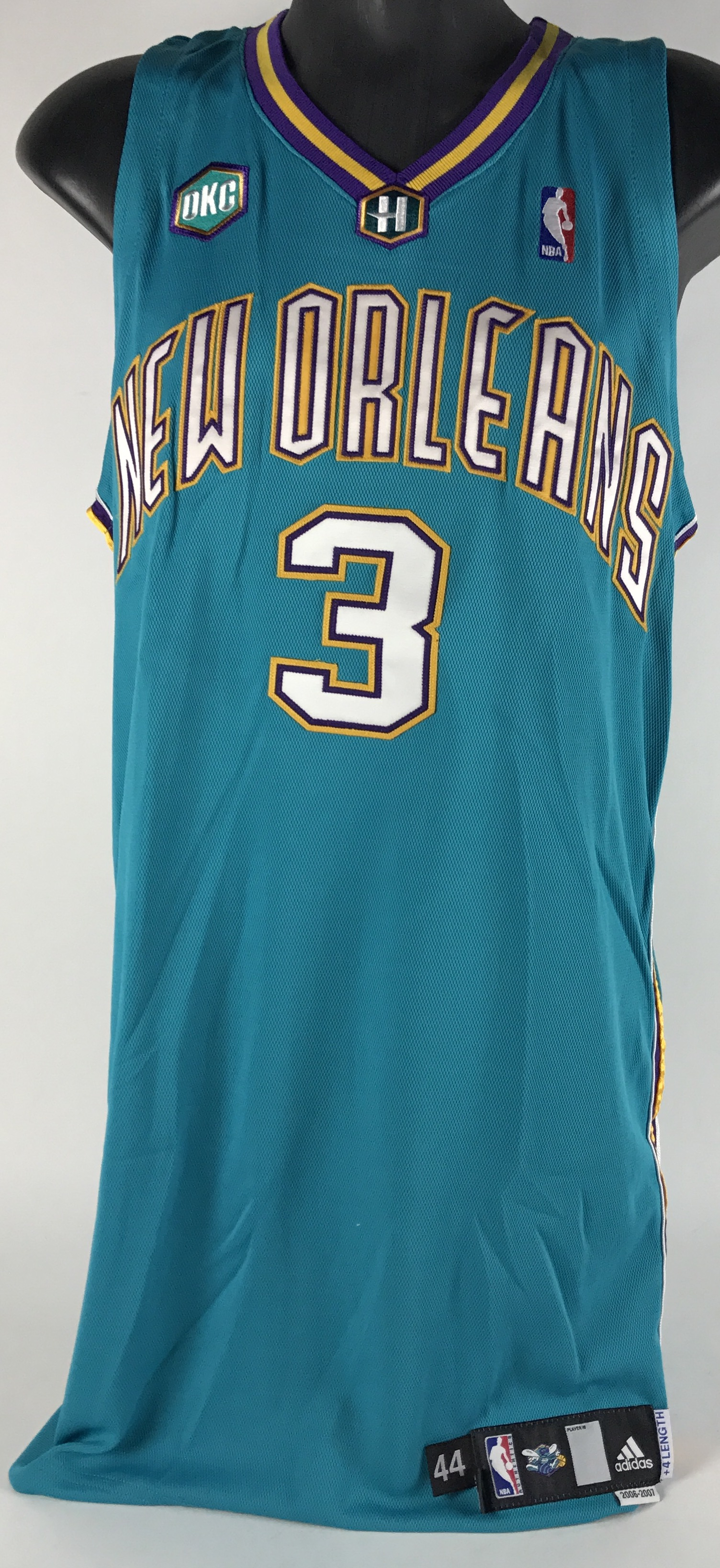 020baffed72e ... 2006-2007 Chris Paul New Orleans OKC Hornets Game-Used Road Jersey ...