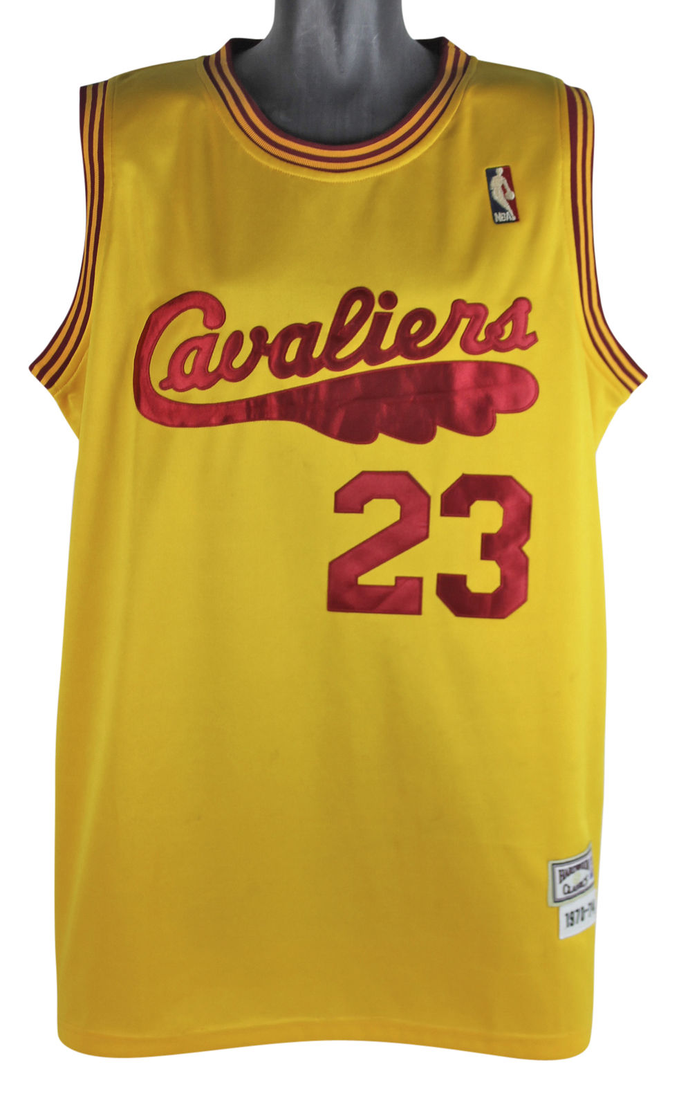 814b5ae53f3ea LeBron James Signed Mitchell & Ness Throwback Cavaliers Jersey (BAS/Beckett  & UDA) ...