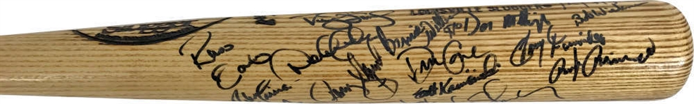1995 Yankees Team Signed Baseball Bat w/ ULTRA-RARE Rookie Derek Jeter Autograph! (JSA)