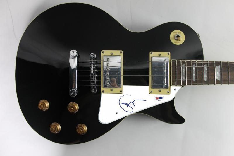 lot detail eric clapton signed les paul style electric guitar psa dna. Black Bedroom Furniture Sets. Home Design Ideas