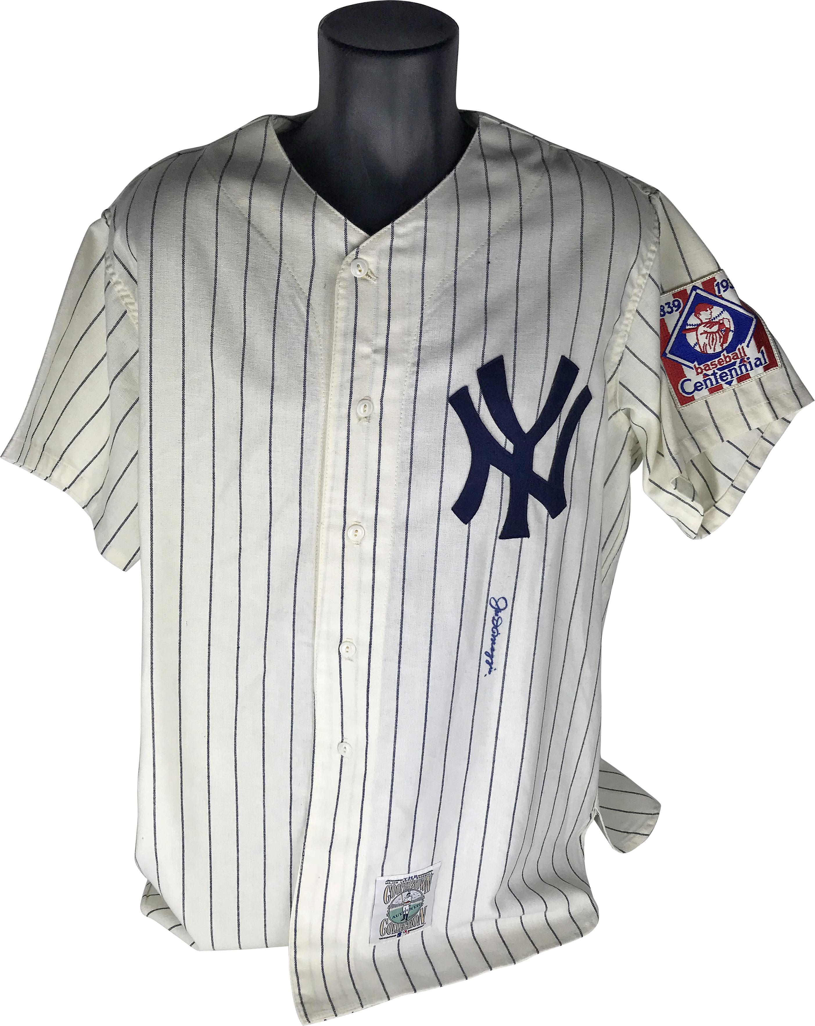 best service f472e fefb5 Lot Detail - Joe DiMaggio Signed 1939 Baseball Centennial NY ...