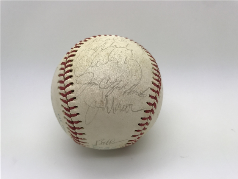 1976 NY Yankees Team Signed OAL Baseball w/ Munson! (Beckett/BAS)