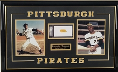 "Roberto Clemente Signed 1"" x 2"" Album Page Framed Display (PSA/DNA)"