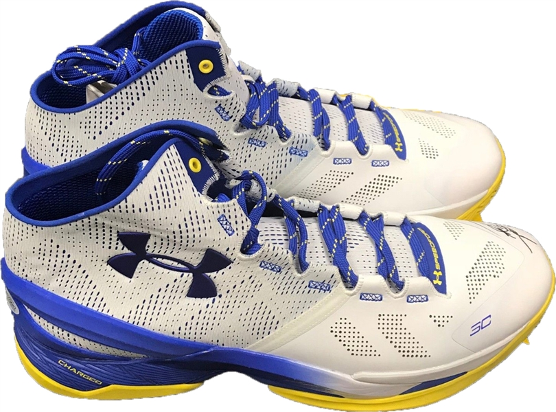 Steph Curry Signed Under Armour Curry 2 Personal Model Basketball Sneakers (Beckett/BAS)