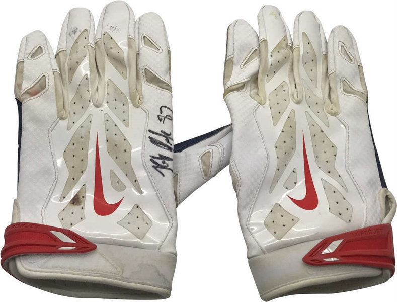 Rob Gronkowski Signed & Game Used Gloves - September 23rd, 2018 Versus Lions In  End of Dynasty Game! (Beckett/BAS)