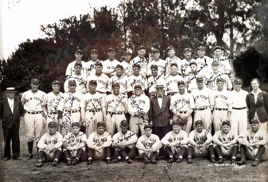 1938 World Series Champion NY Yankees Team Signed 8 x 10 Photograph w/ Gehrig! (PSA/DNA)