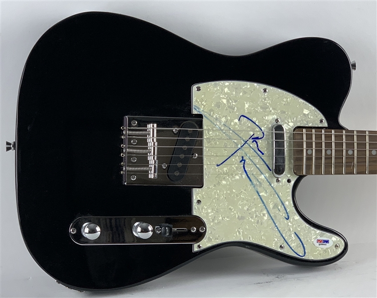 The Who: Pete Townshend Signed Telecaster Style Guitar (PSA/DNA)