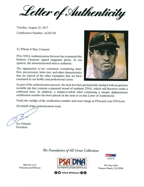 Roberto Clemente Signed 7 x 9.5 Magazine Photograph (PSA/DNA & SGC)