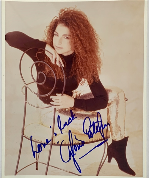 Gloria Estefan Signed 8 x 10 Color Photo (John Brennan Collection)(Beckett/BAS Guaranteed)