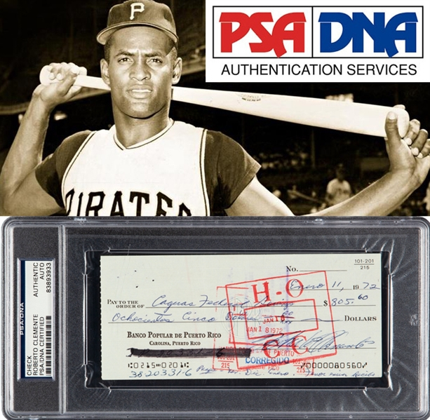 Roberto Clemente Signed 1972 Personal Bank Check (PSA/DNA Encapsulated)