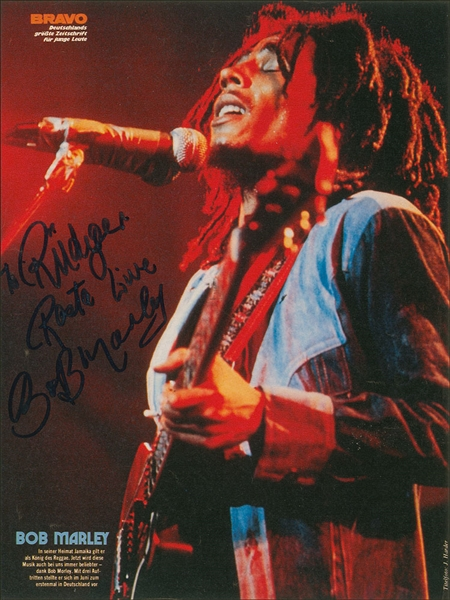 Bob Marley Rare Signed 8.25 x 11 Color Magazine Page Photo in Concert! (Epperson/REAL LOA)