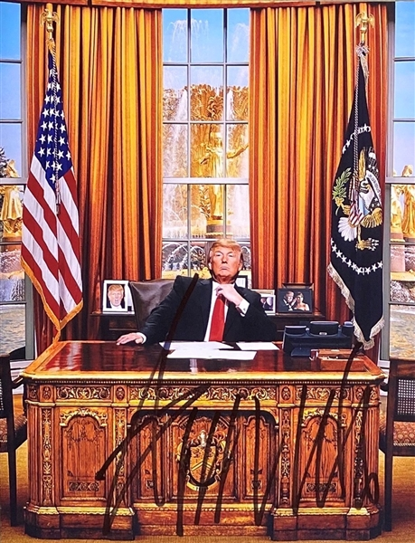 President Donald Trump In-Person Signed 8 x 10 Color Photo (Beckett/BAS Guaranteed)