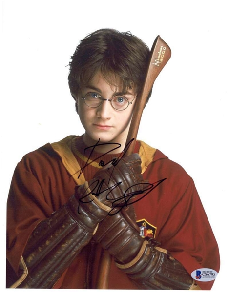 Daniel Radcliffe Signed 8 x 10 Photograph as Harry Potter (BAS/Beckett)